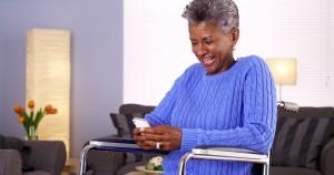 senior-texting